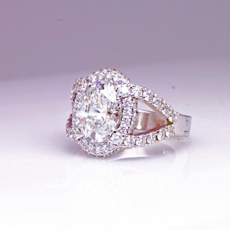 Oval halo ring side view