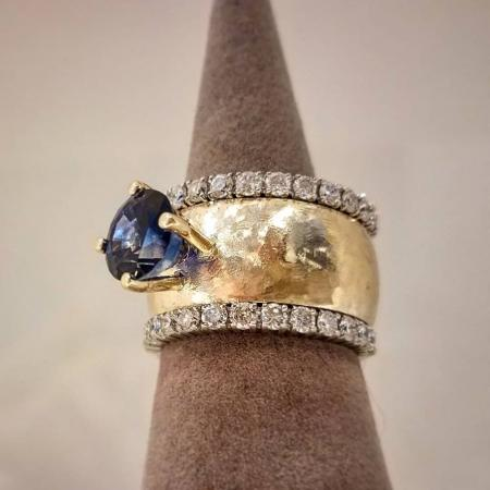 Sapphire wide hammered ring
