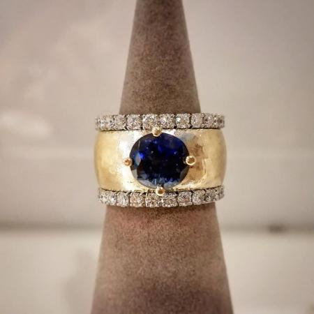 Sapphire wide hammered ring front shot