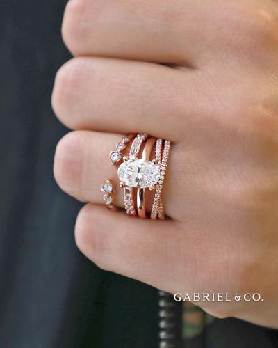 Gabrielco multi ring portrait