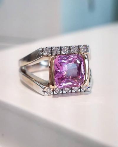 Pink sapphire custom aurum ring