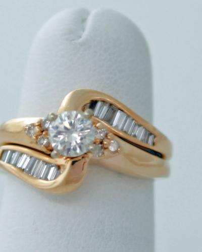 14 ky two piece diamond round and baguette wedding set
