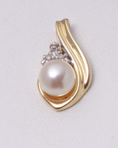 Pearl pendatn 888 3052